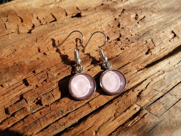 Kynsilakkakorvikset vaaleanpunainen